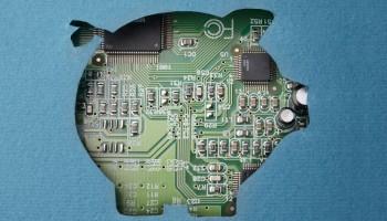 Fintech pig shutterstock_184006916